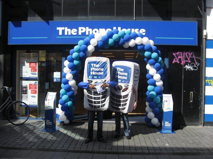 The phone house sampling brand store